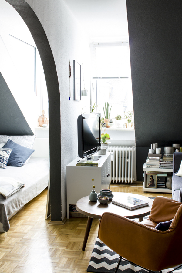 i wish i lived here the munich home of happy interior blog. Black Bedroom Furniture Sets. Home Design Ideas