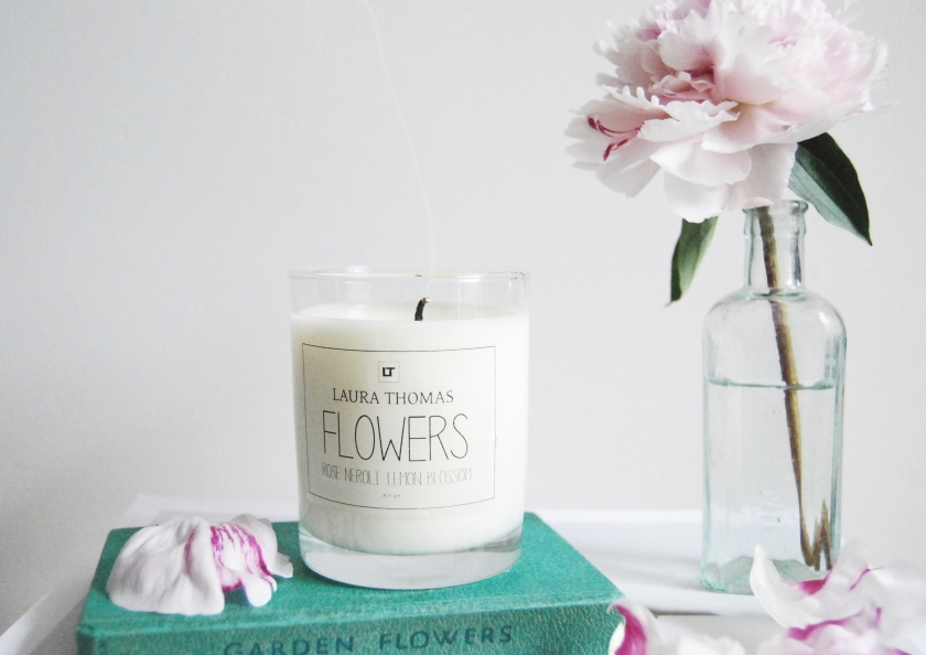 laura-thomas-flowers-candle-10